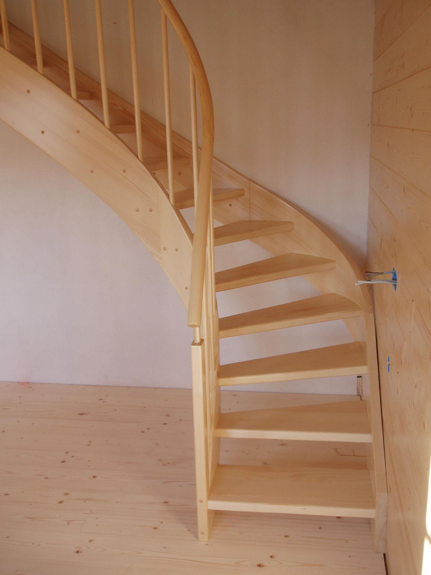 Scale a chiocciola scale in legno homles for Scala a chiocciola di 5 piedi